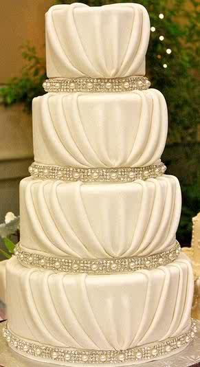 Get Your Wedding Cake Of Any Design You Want We Will Give The Best For More Info Pls Contact 08163941520 Or Pin 2A1A0427 MAKE YOUR DAY SPECIAL