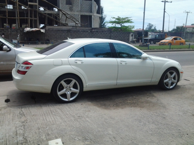 A sparkly white 2008 mercedes benz s500 for sale autos for Mercedes benz s500 2008