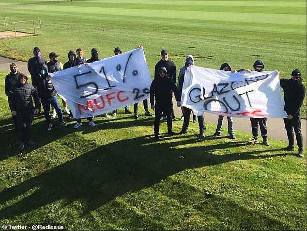 Manchester United Fans Protest Against Club Owners At ...