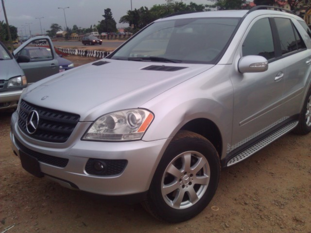 Tokunbo 2006 mercedes benz ml350 4matic autos nigeria for Mercedes benz ml350 4matic 2006