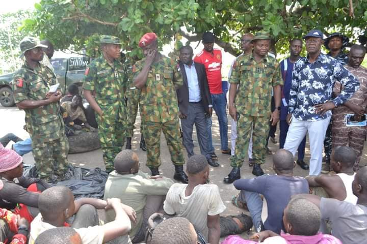 73 Suspected Herdsmen Arrested On Their Way To Imo State