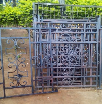 iron door design for small house  | 736 x 981