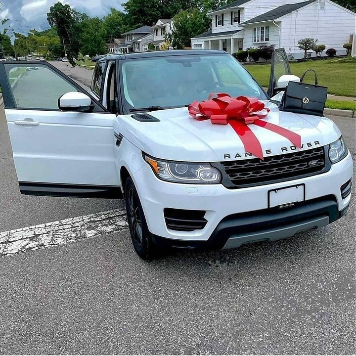 Nollywood Actress Buys Her Third New Car In 7 Months