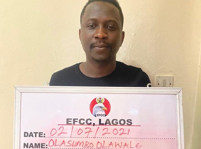 EFCC Arrests Owners Of Buzz Barr In Lagos For Fraud