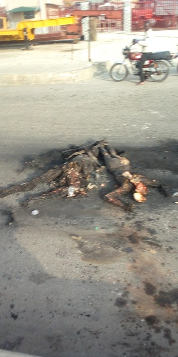 Two robbers, burnt to death at the Coker