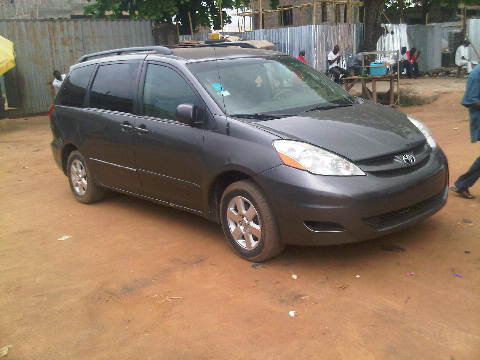 toyota sienna 2006 model at a cheaper price autos nigeria. Black Bedroom Furniture Sets. Home Design Ideas