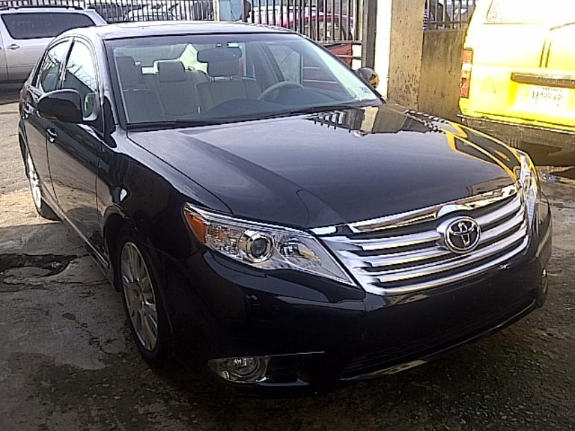 extreemly clean tukunbo toyota avalon 2011 model for sale call 08065331573 autos nigeria. Black Bedroom Furniture Sets. Home Design Ideas