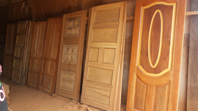 Door plywood community blight solutions clearboarding for Plywood door design