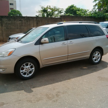 few months used 2006 toyota sienna xle affordable price 08186921703. Black Bedroom Furniture Sets. Home Design Ideas