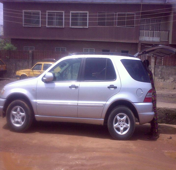 Mercedes benz jeep 320 2001 model lagos port cleared toks for Mercedes benz that looks like a jeep