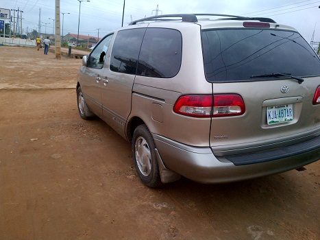 a nigerian used 2002 model toyota sienna for sale autos nigeria. Black Bedroom Furniture Sets. Home Design Ideas