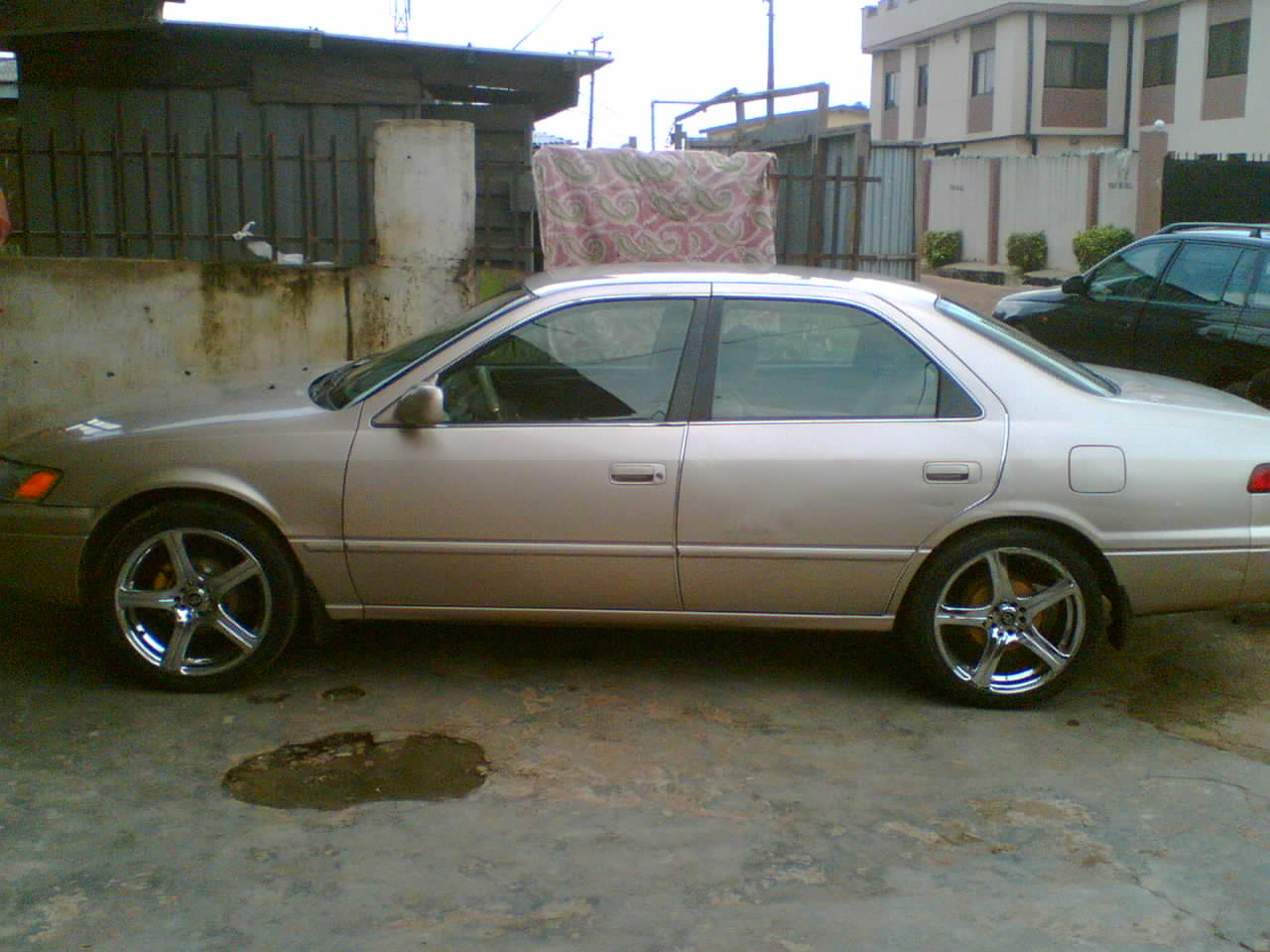 very clean toyota camry 98 model redgistered for sale autos nigeria. Black Bedroom Furniture Sets. Home Design Ideas