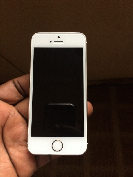 neat gold iphone 5s uk used for sale technology market nigeria. Black Bedroom Furniture Sets. Home Design Ideas