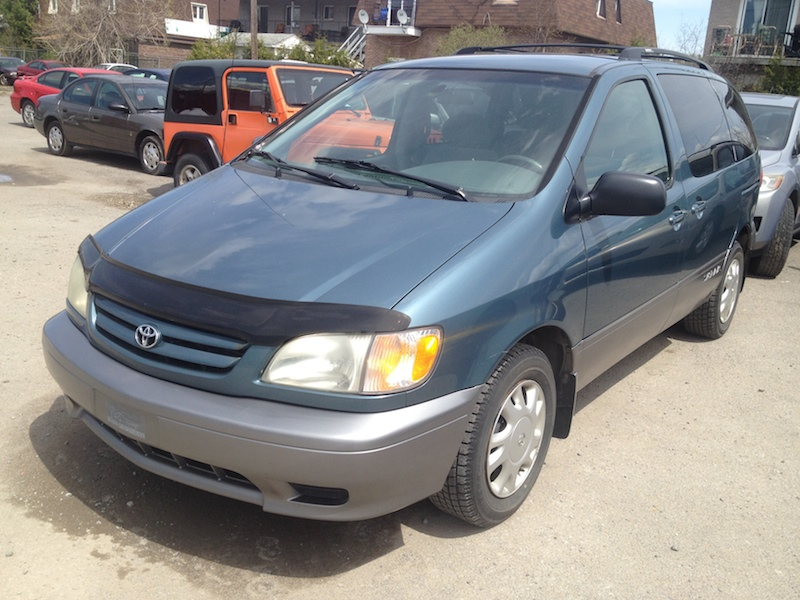 clean 2002 toyota sienna for sale in abuja autos nigeria. Black Bedroom Furniture Sets. Home Design Ideas