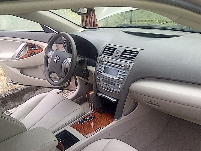 A 2009 TOYOTA CAMRY XLE WITH ALL DETAILS IN FULL IS AVAILABLE FOR PURCHASE  Amount: N3million/ Negotiable. Call: Sam On 08096002981