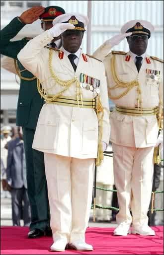 Why Does The President Always Like To Wear Military Uniforms