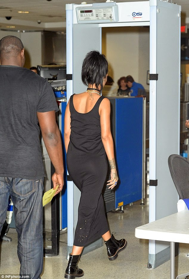 No Vip Treat Rihanna Scanned 5 Times Asked To Takeoff Her