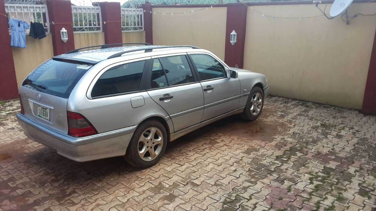 neatly naija used mercedes benz c class wagon up 4 sale autos nigeria. Black Bedroom Furniture Sets. Home Design Ideas