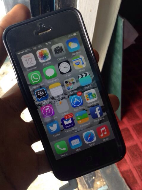 iphone 5s on sale iphone 5s black and grey for 5729