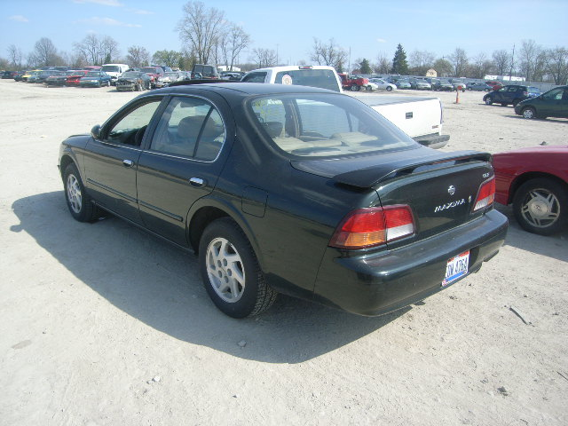 Full Option 1999 Nissan Maximadont Miss This One