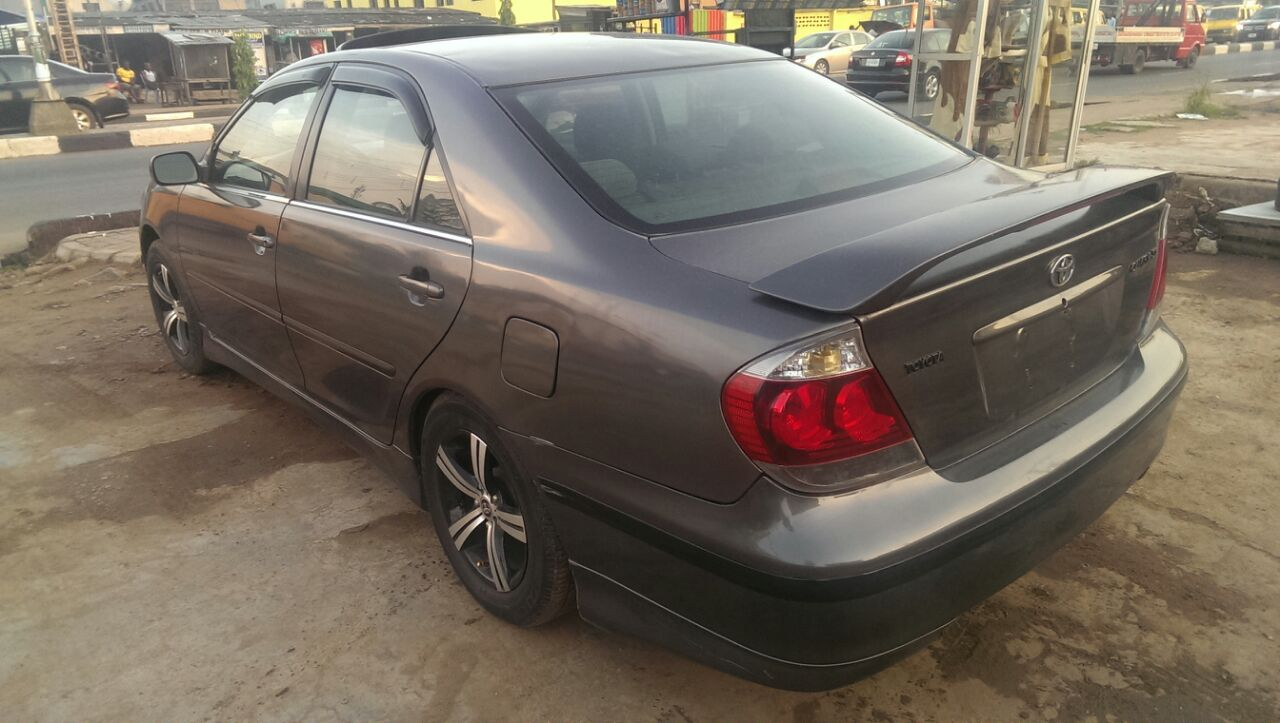 tokunbo 2005 toyota camry se not available for sale autos nigeria. Black Bedroom Furniture Sets. Home Design Ideas