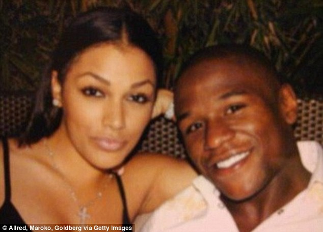 Did Floyd Mayweather rile up Earl Mayes about cheating