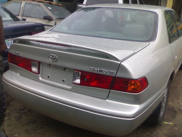 2001 toyota camry le for sale autos nigeria. Black Bedroom Furniture Sets. Home Design Ideas