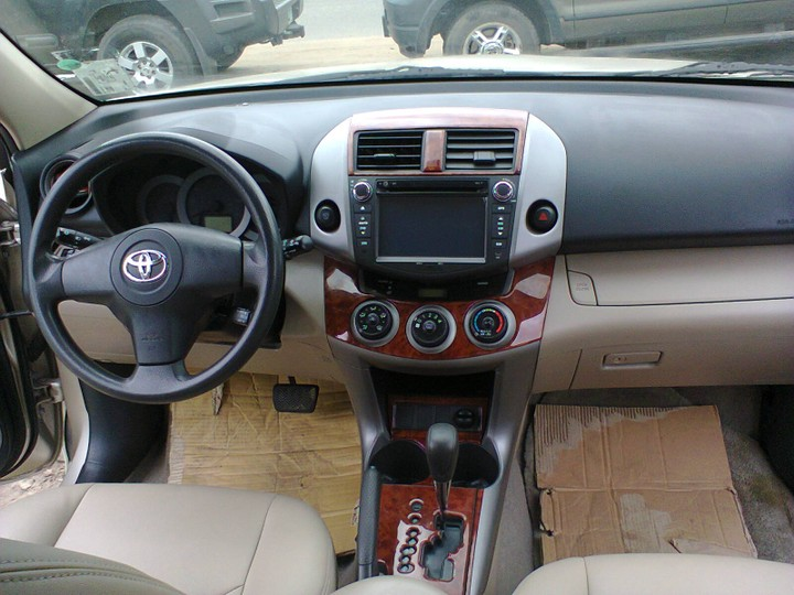 Super Clean 2007 Toyota Rav4 With Leather Interior Reverse Camera And Navigation Autos Nigeria