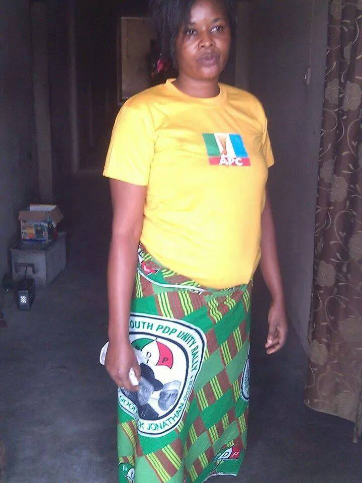 Chaii!  This Naija Woman Is Politically Confused [MUST SEE PHOTOS]