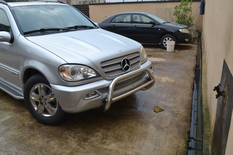 Lagos cleared mercedes 2005 ml500 for 2 5 million call for 2 5 million mercedes benz