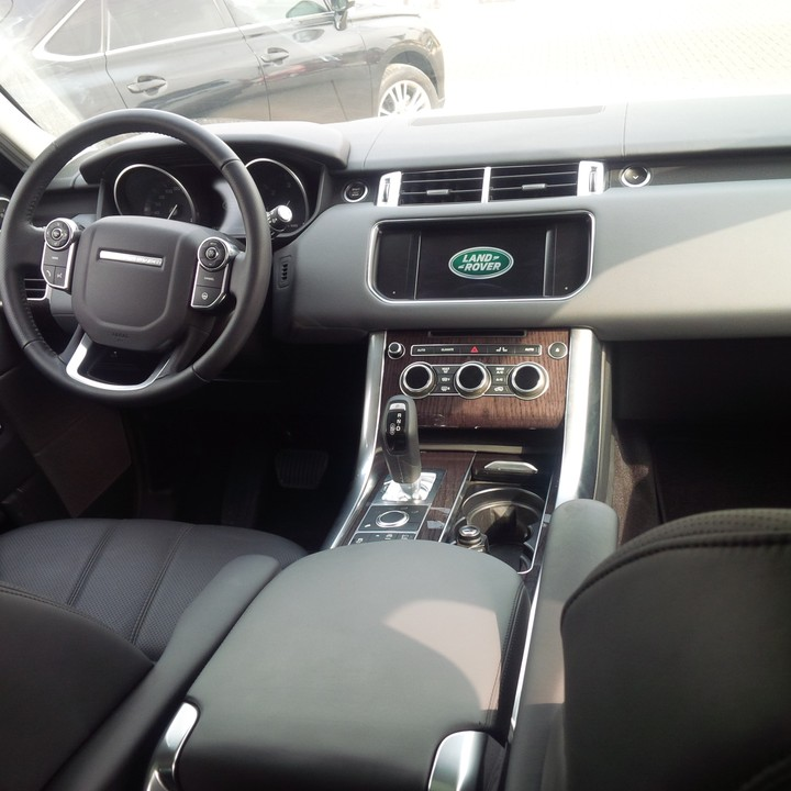 Almost New Landrover Range Rover 2014 Model For 16.5m