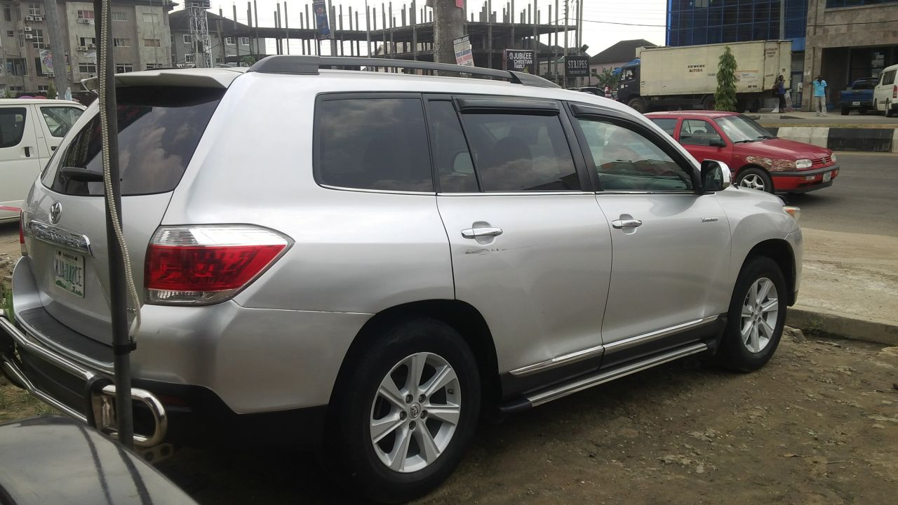 terible experience with this 2013 toyota highlander for sale in phc autos nigeria. Black Bedroom Furniture Sets. Home Design Ideas