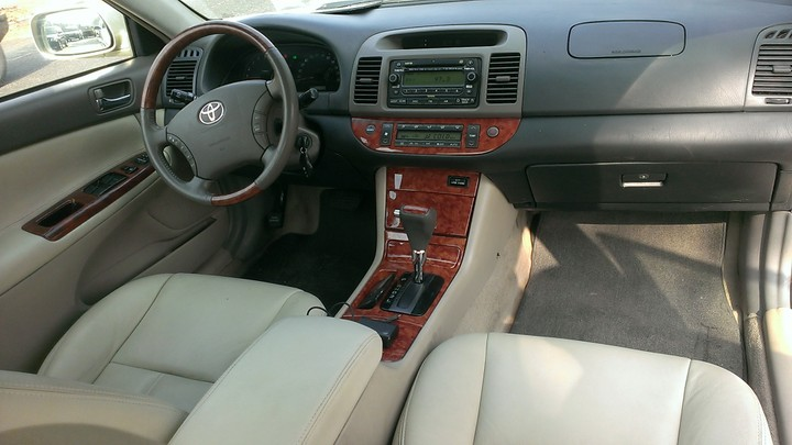 tokunbo 2005 toyota camry xle dubai spec for only autos nigeria. Black Bedroom Furniture Sets. Home Design Ideas