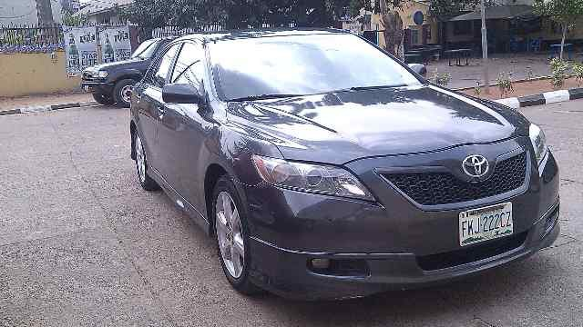 reg 2008 toyota camry se with leather autos. Black Bedroom Furniture Sets. Home Design Ideas