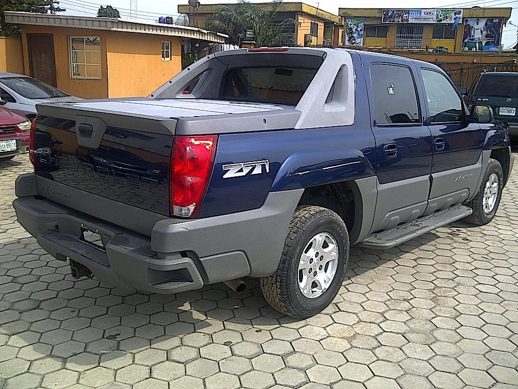 sparkling tokunbo 2003 chevrolet avalanche crew cab 4 wheel drive price autos nigeria. Black Bedroom Furniture Sets. Home Design Ideas