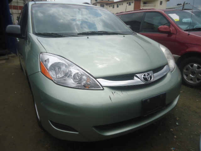 2006 toyota camry brake job toyota on front 2011 toyota camry sedan diy camry complete front. Black Bedroom Furniture Sets. Home Design Ideas