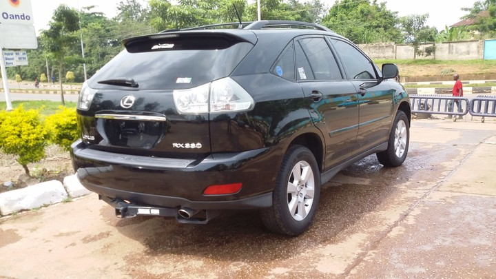 2005 lexus rx330 black with roof dvd sold, sold, sold!!! autosvery sharp one very interested buyer holla 08035609390, 08091012666 re 2005 lexus rx330 black
