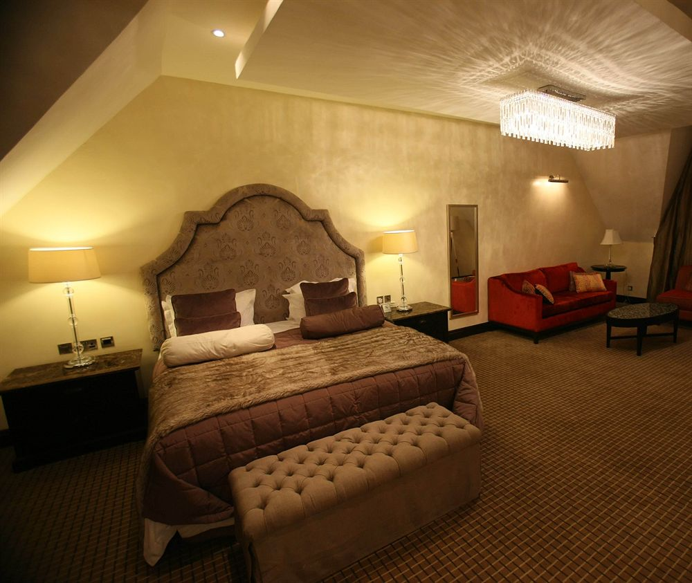 15 most expensive hotel rooms in nigeria travel nigeria for Most expensive hotel room