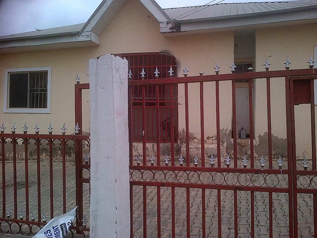 A 3 Bed Room Flat For Sale N18m In An Estate In Abuja