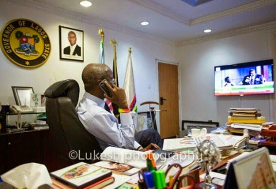 Picture Of Fashola Watching The Announcement Of INEC Results