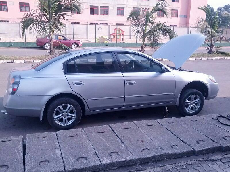 I Have A Nissan Altima 2002 Manual Transmission For Sale. The Picture Below  Is A Bit Old. I Can Organize Pix To Be Sent To Any One Interested.
