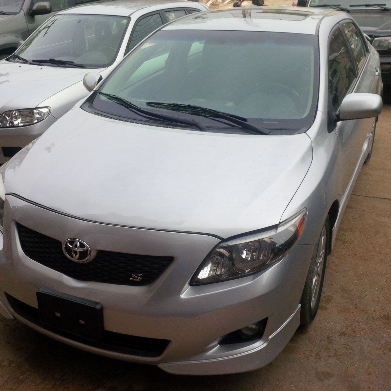 clean 2010 toyota corolla sport toks 40k mileage for jst see pix autos nigeria. Black Bedroom Furniture Sets. Home Design Ideas