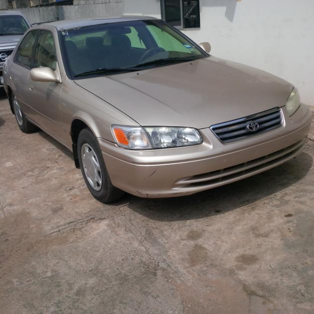 Toyota Camry Colors: Tokunb 2001 Toyota Camry Gold Color. Very Neat 600k Call