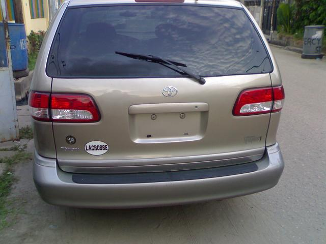 tokunbo 2003 toyota sienna xle for sale autos nigeria. Black Bedroom Furniture Sets. Home Design Ideas