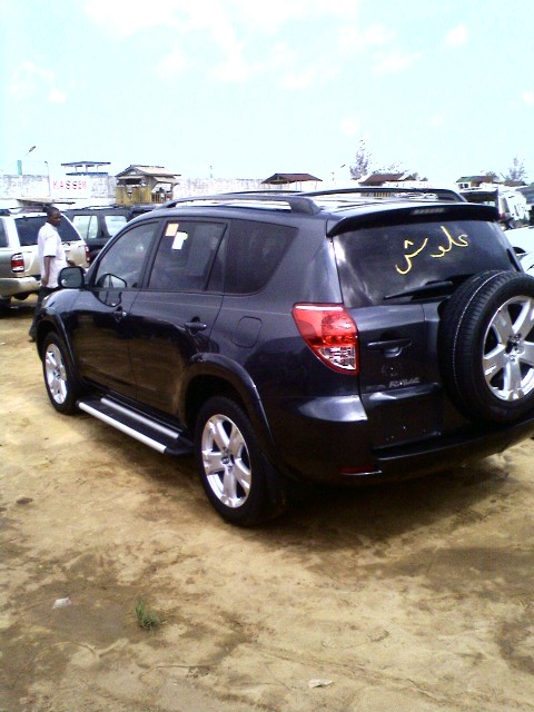2006 toyota rav4 from cotonou price 3 4 m naira see pix. Black Bedroom Furniture Sets. Home Design Ideas