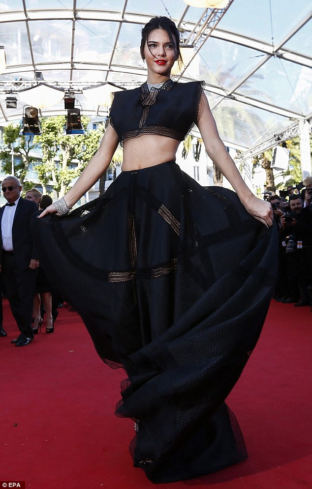 Kendall Jenner Flashes Hot Body In Crop Top And Dramatic