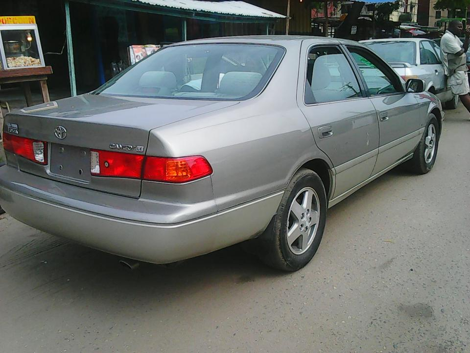 700k toyota camry 2000 model call me on 07038920930 autos nigeria. Black Bedroom Furniture Sets. Home Design Ideas