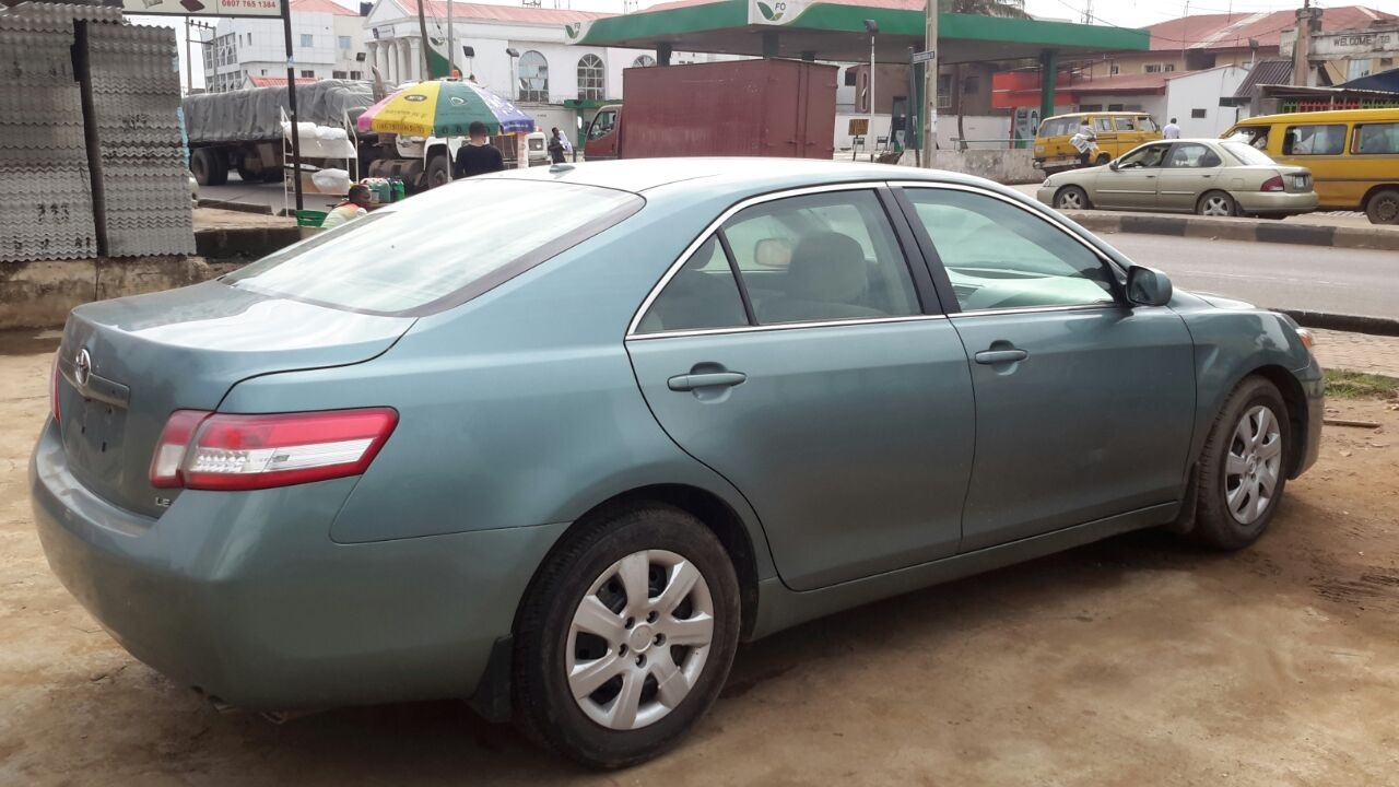 tokunbo 2010 toyota camry le sold sold sold. Black Bedroom Furniture Sets. Home Design Ideas