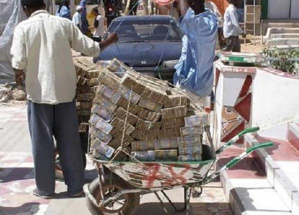 I Read Somewhere That Somebody Robbed A Woman Pushing Wheelbarrow Filled With Zimbabwe Dollar Just Like This The Raised Alarm
