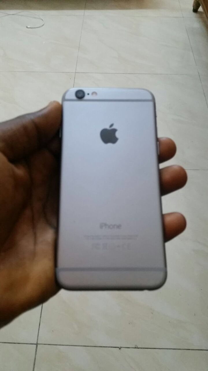 iphone 6 for sale iphone 6 grey 64gig for 135k negotiable phone 1056